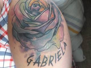 wczoraj robiłam tatuaż, dzisiaj zauważyłam takie jakby zacieki...czy to normalne i zniknie?