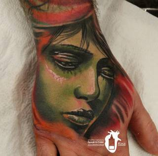 Wykonał Kosa ze Speak In Color!