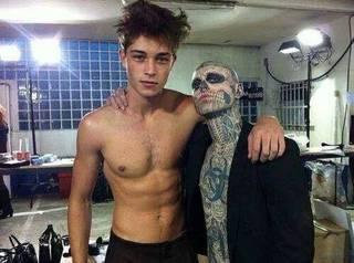 Zombie Boy i Francisco Lachowski- dwóch modeli. Pierwszy z nich to kanadyjski artysta i model. Większość jego ciała pokryta jest tatuażem przedstawiającym ludzki szkielet
