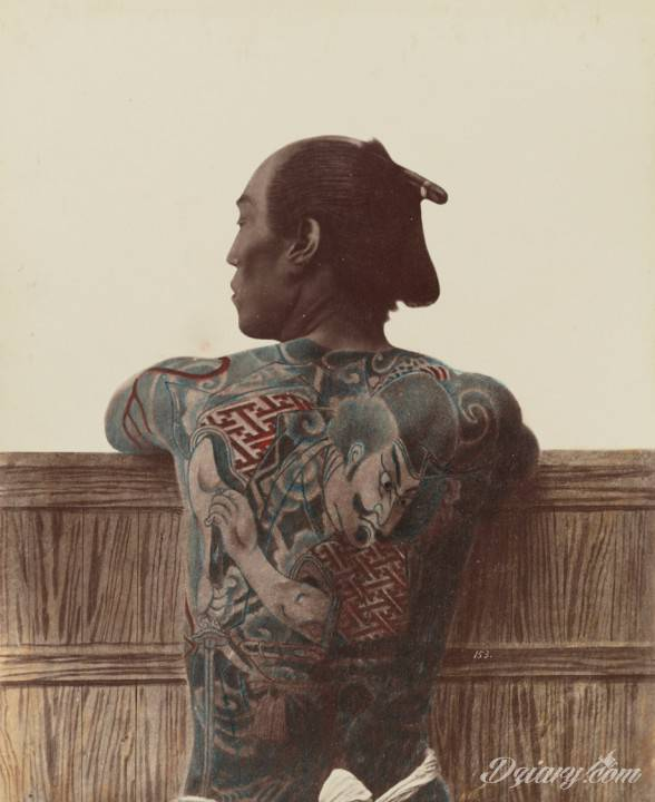 Wytatuowany Japończyk, zdjęcie zrobiono między 1870 a 1890 rokiem. Sztos!