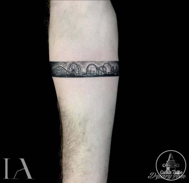 Tatuaż Zabawa to definicja...